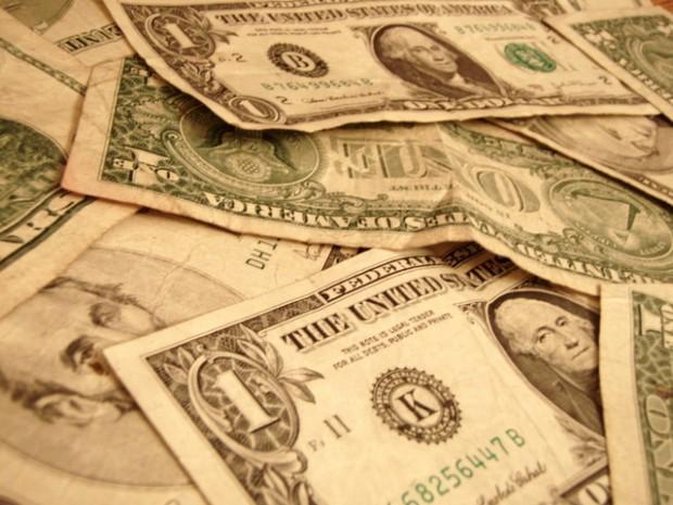 money-1239608-640x480.jpg