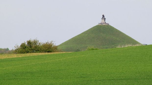 Lions-Mound-at-Waterloo-4
