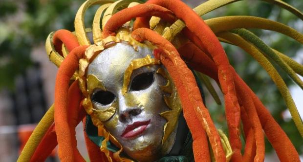 mask-1188035-1599x1066
